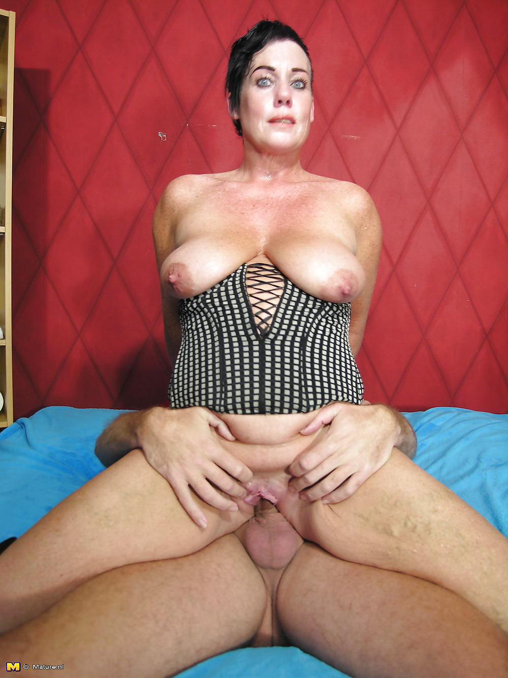 Mature rides cock — img 4