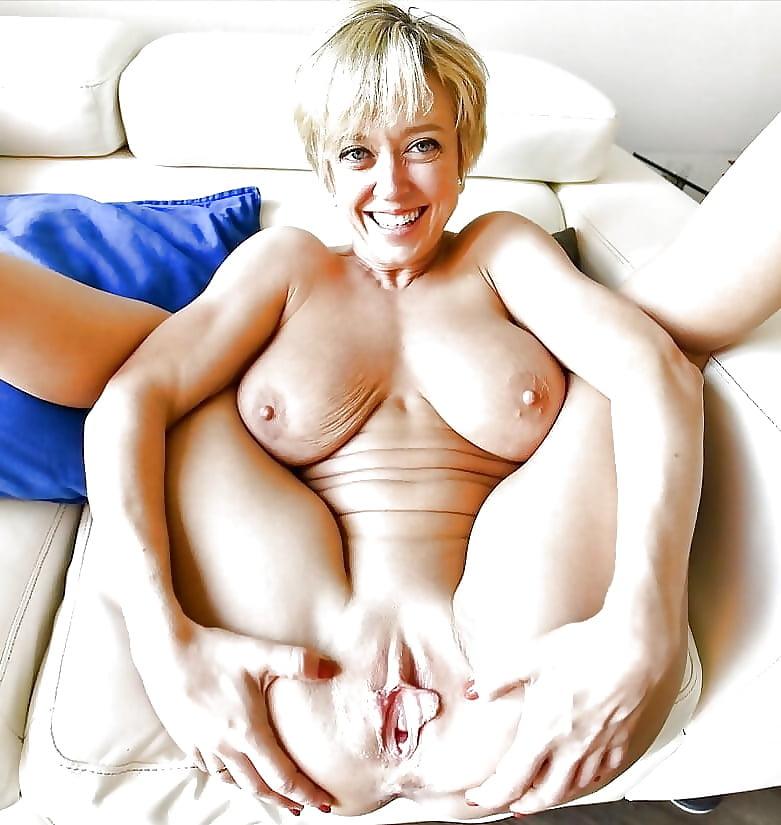 Gemischtrassiger Muschi Zierlicher Orgasmus