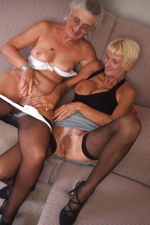 mature lesbos ida betty immagini xhamster com