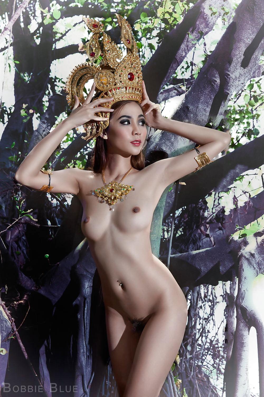 thai-naked-model