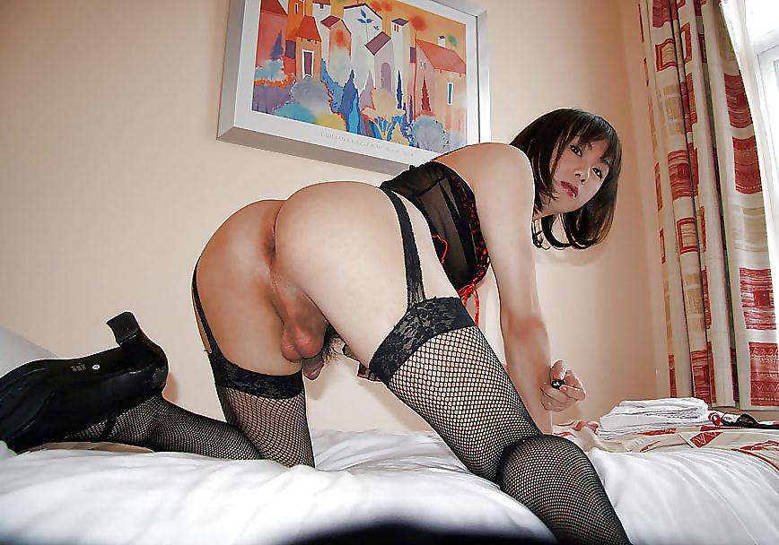 Huge Dildo Japanese Crossdresser