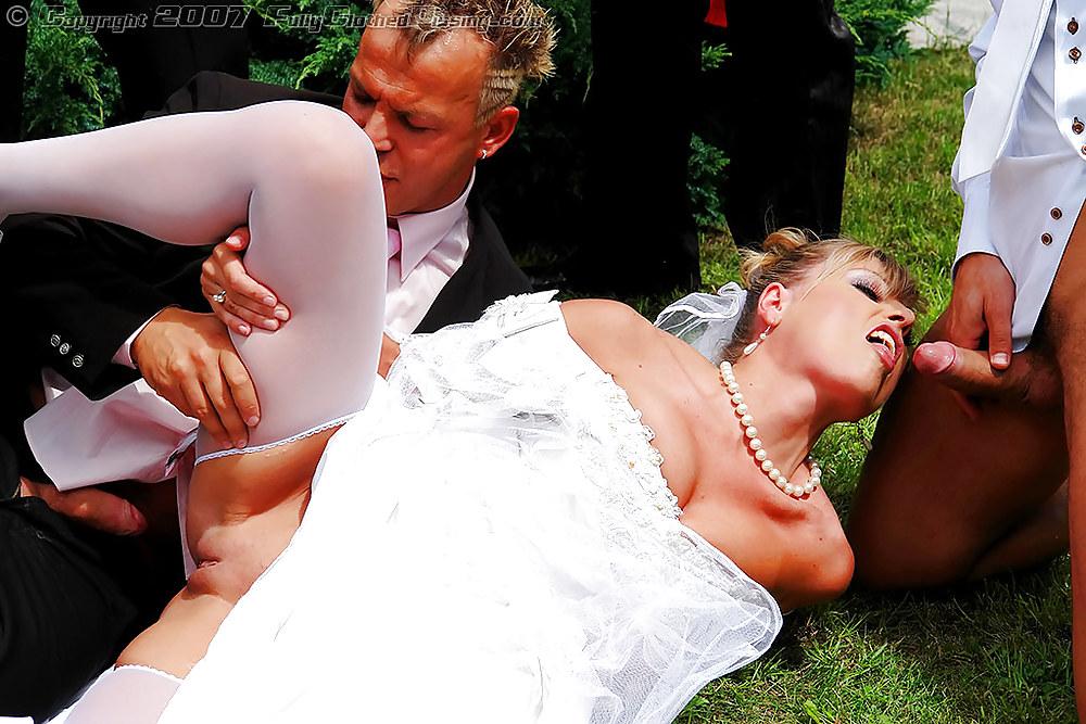 Жопе порно на свадьбе невесту чужую