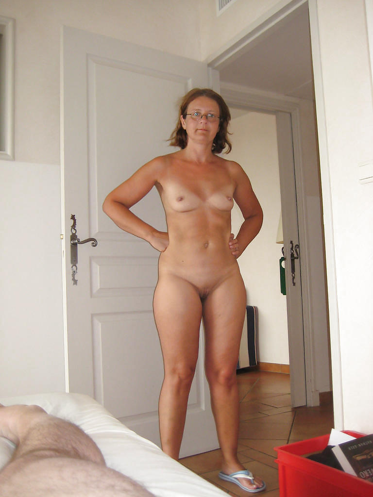 Hot milf caught nude #7