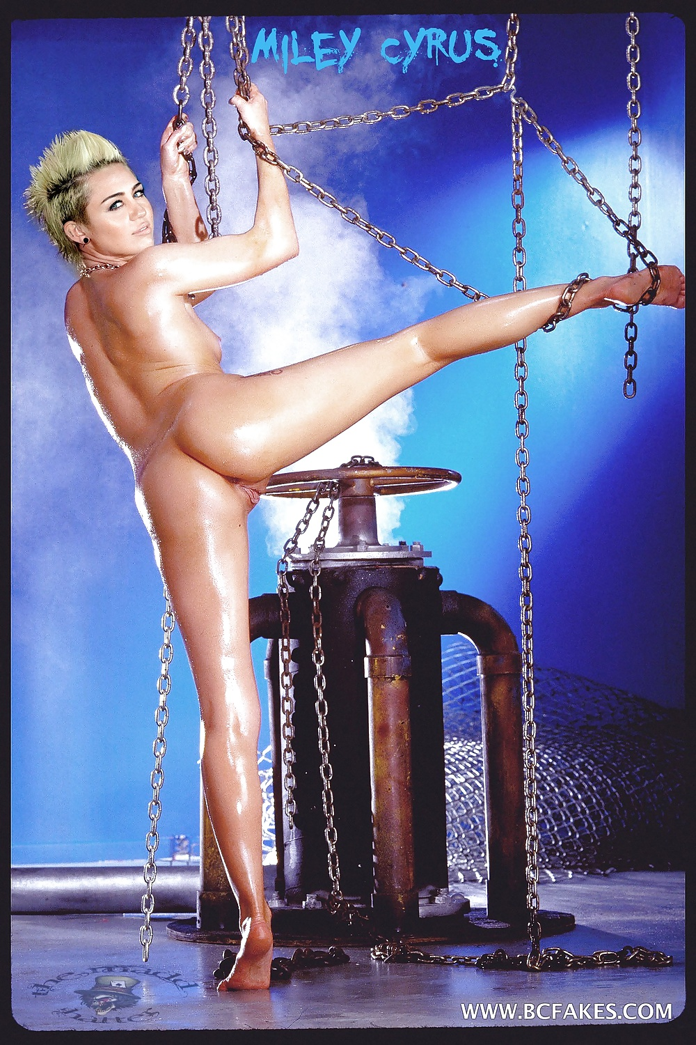 Miley Cyrus Showing Off Her Pussy - 30 Pics - Xhamstercom-2911