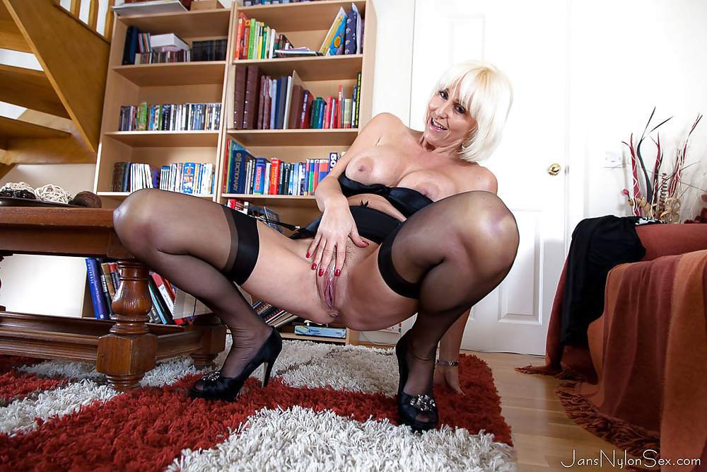 Fucking mature in stockings porn tube