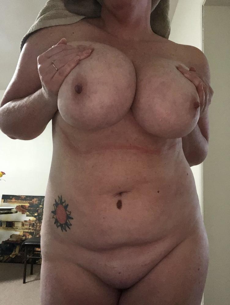 Naked 40 year old ladies
