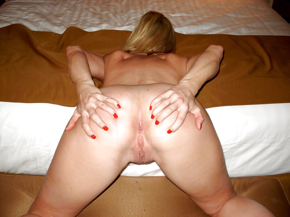 Mature Spread Pussy And Asshole