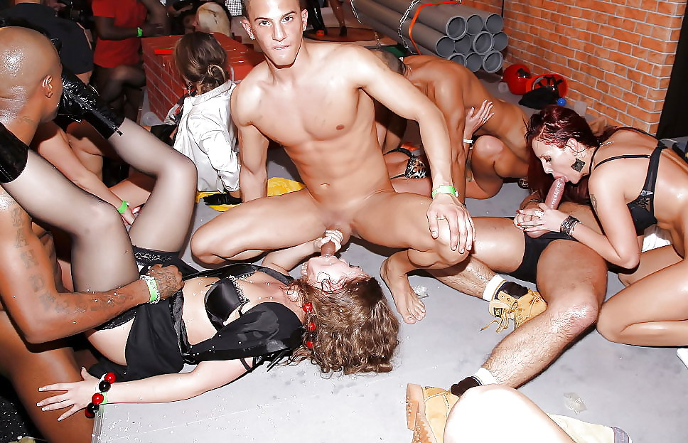 Swinger sex club orgy