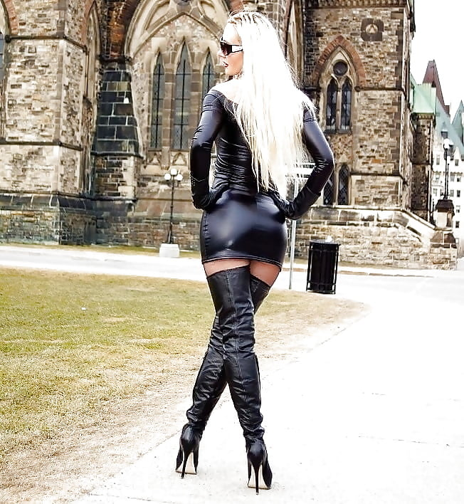 Insanely hot latex leather gothic fetish pictures