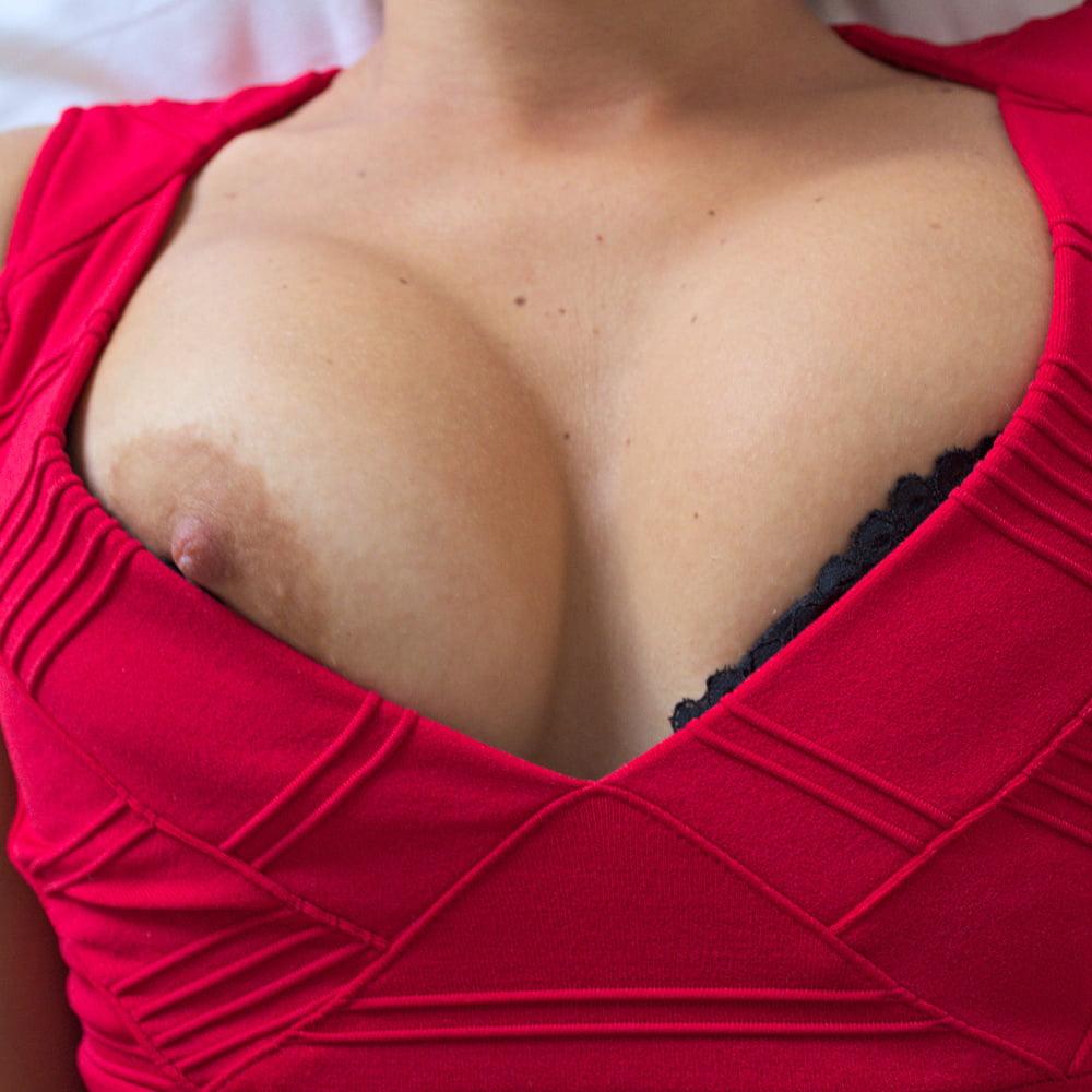 Red dress - 12 Pics