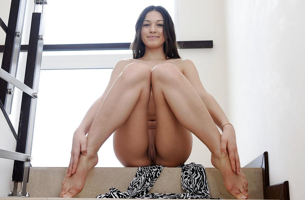 porno-titki-pod-platem-onlayn