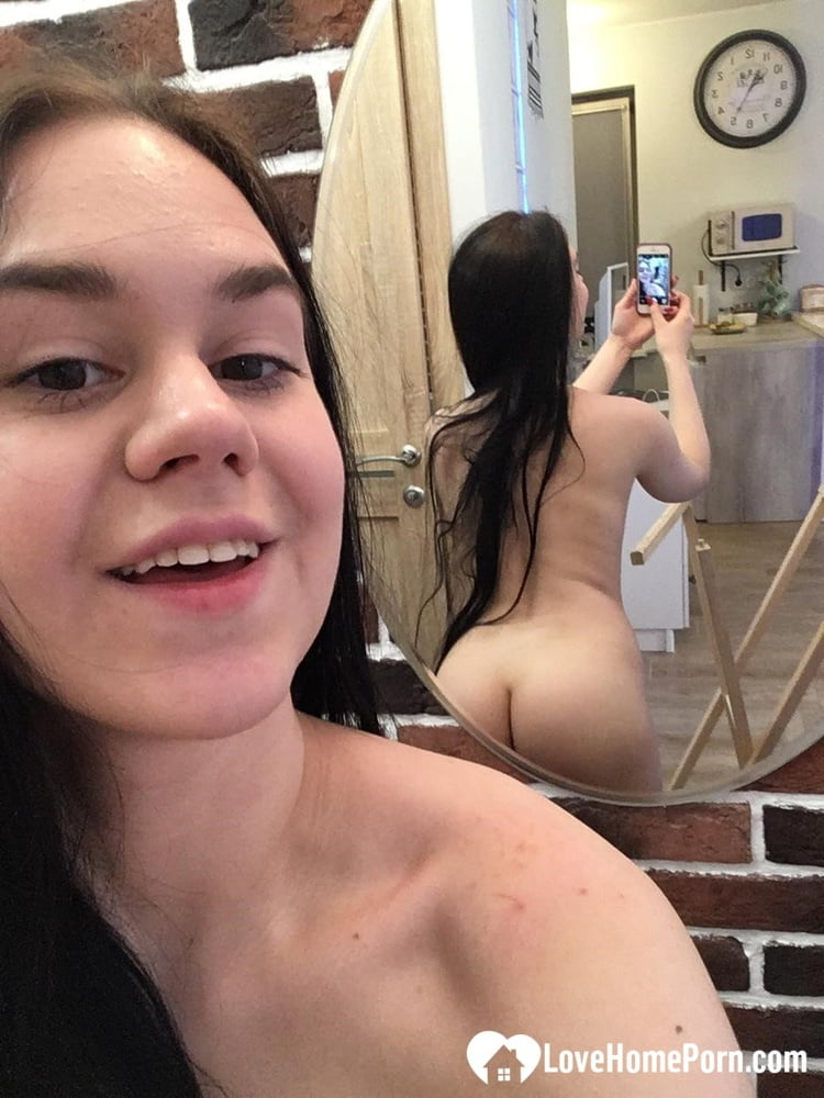 Beautiful girlfriend taking selfies for her man - 35 Pics