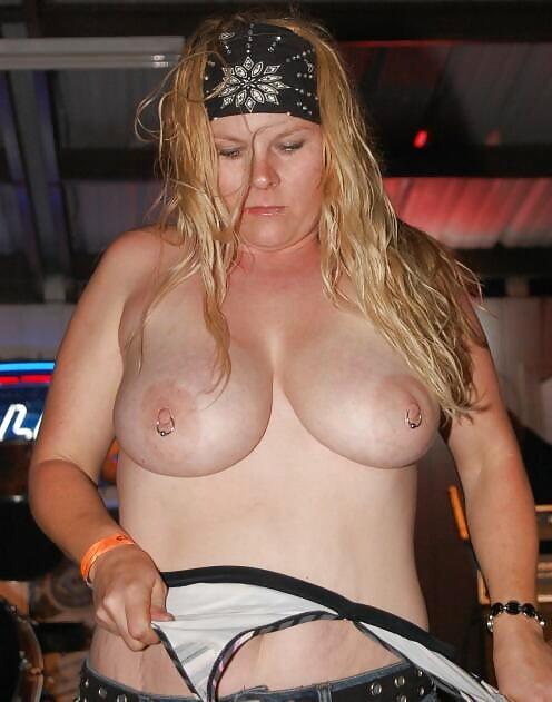 Chunky mature women-9217