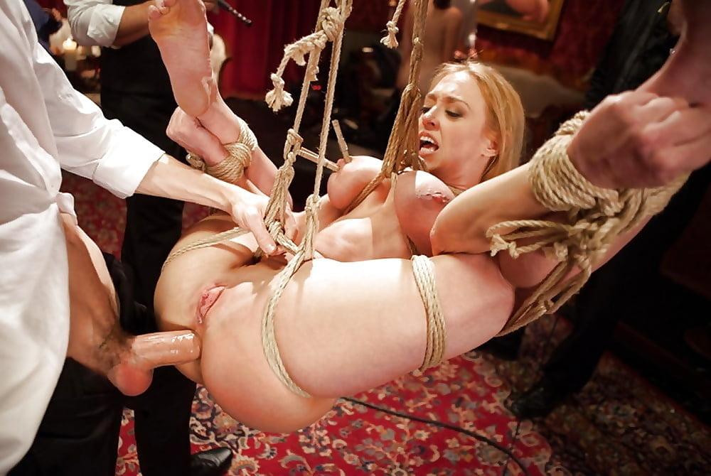 Девушки извращение над красивой блондинкой девушки овны принудительно