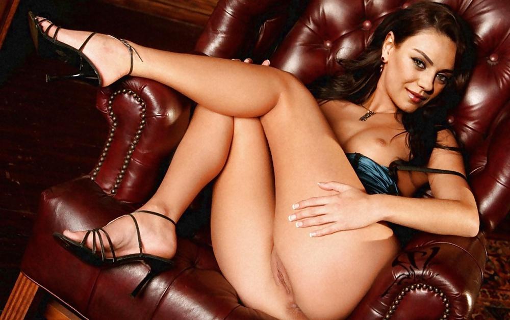 Mila Kunis Nude Photo