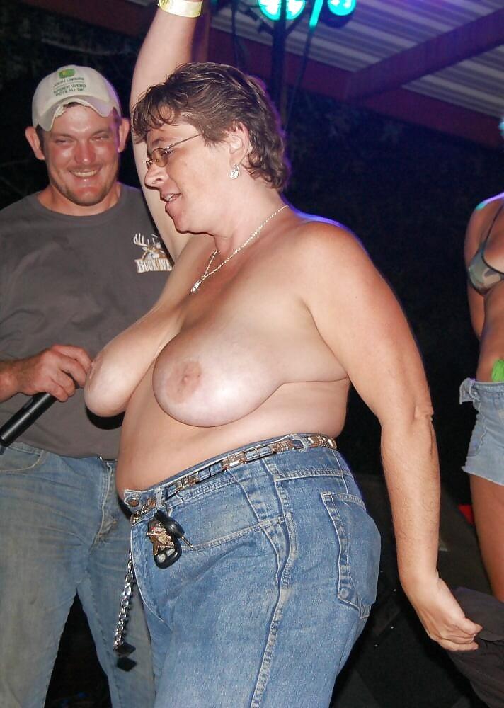 Chunky mature women-5744