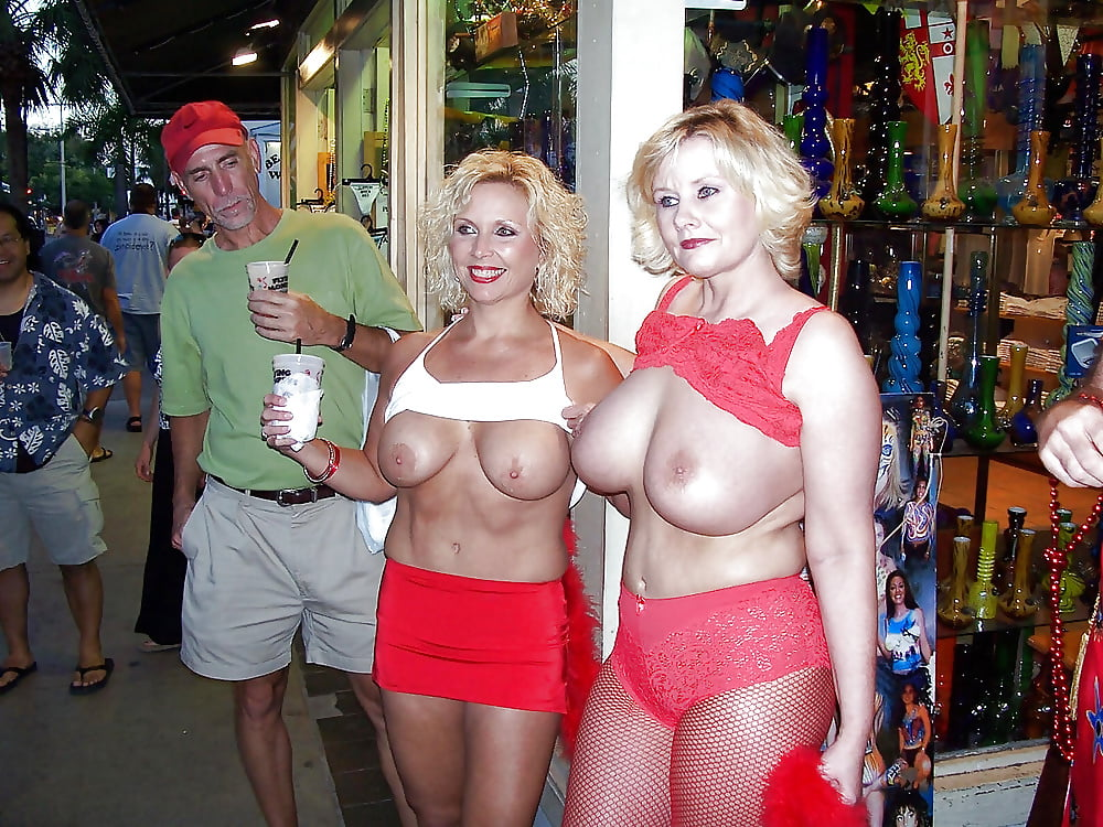 A Milf Blonde With Large Boobs And Hard Nipples Boobs Flash Pics, Milf Flashing Pics, Voyeur Pics