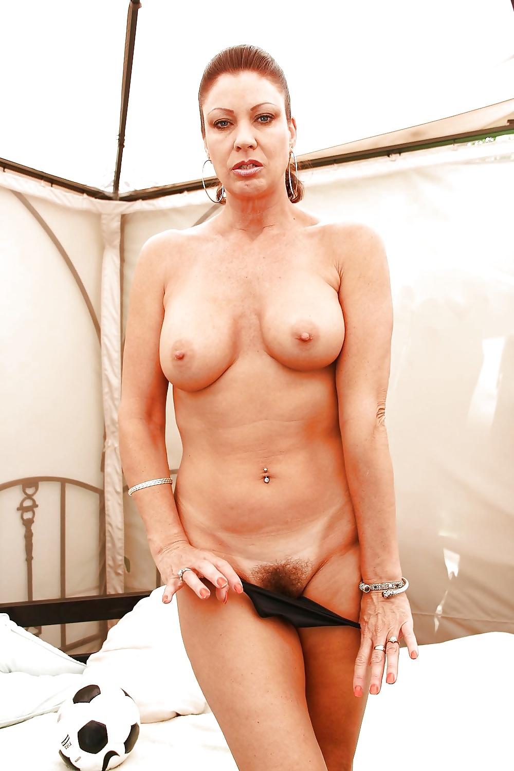 Free naked soccer mom pictures 11