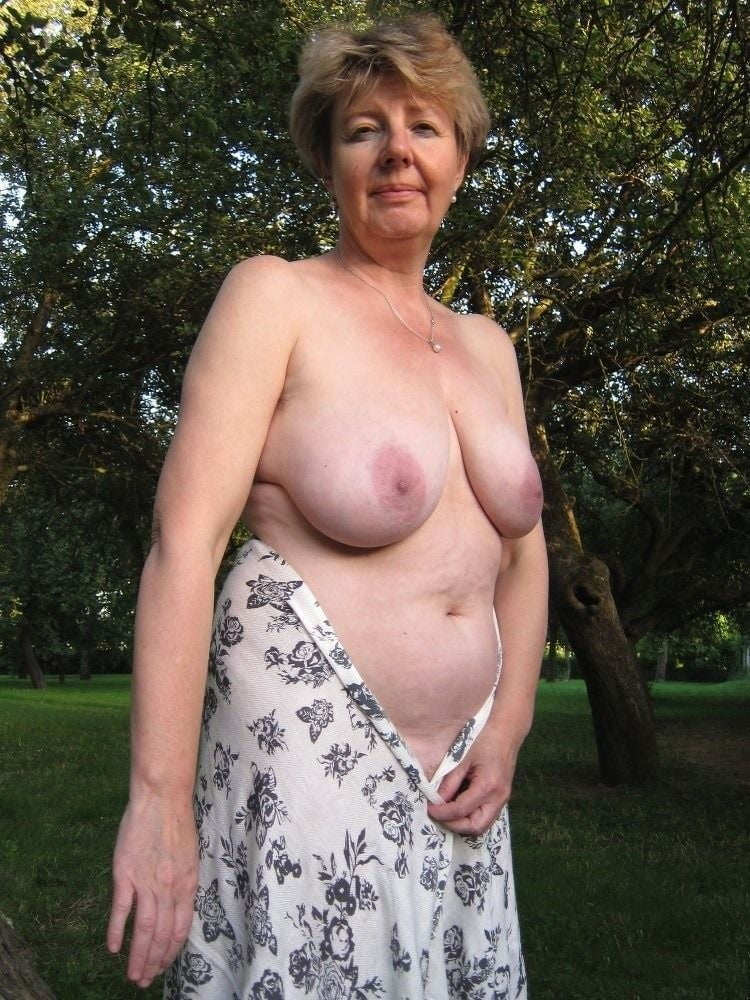 topless-granny-matures