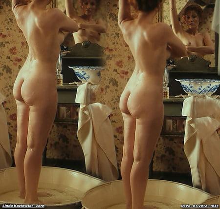 Emilie de ravin bikini
