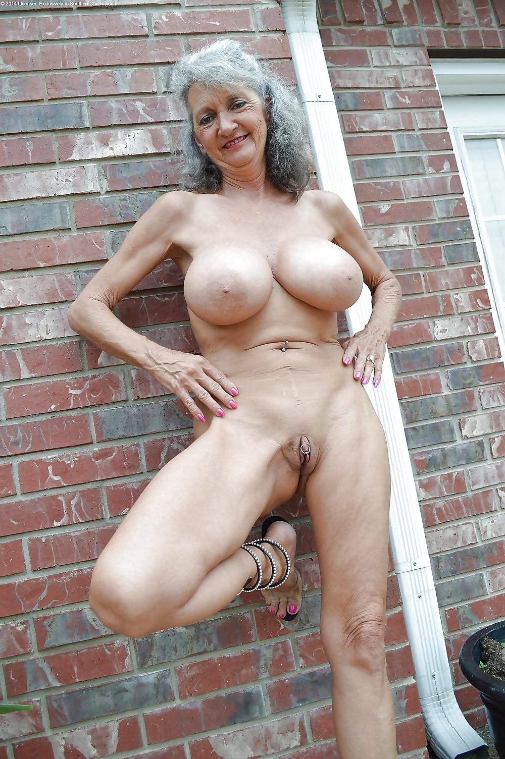 mamie-nude-tits-nigro