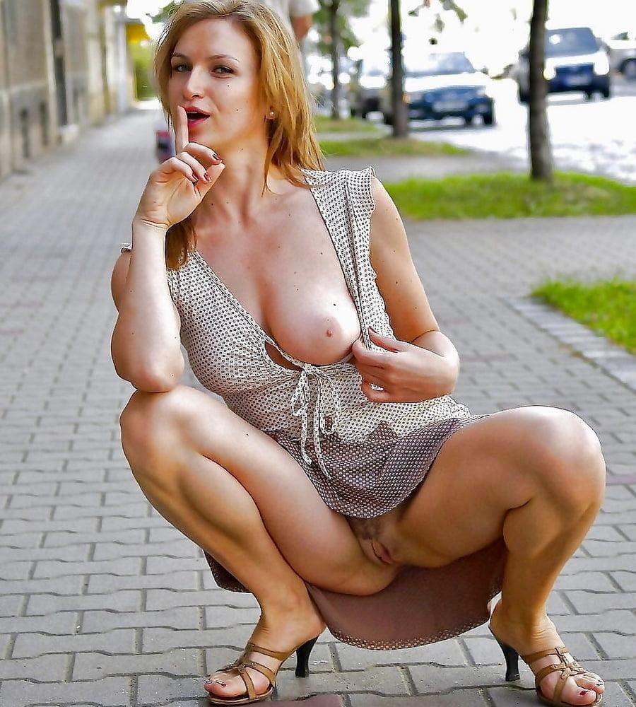 Sexy mature women nude public pics 3