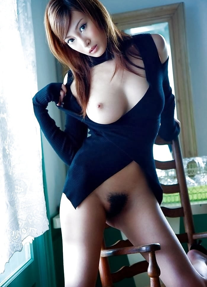 Asian girl stripped — pic 10