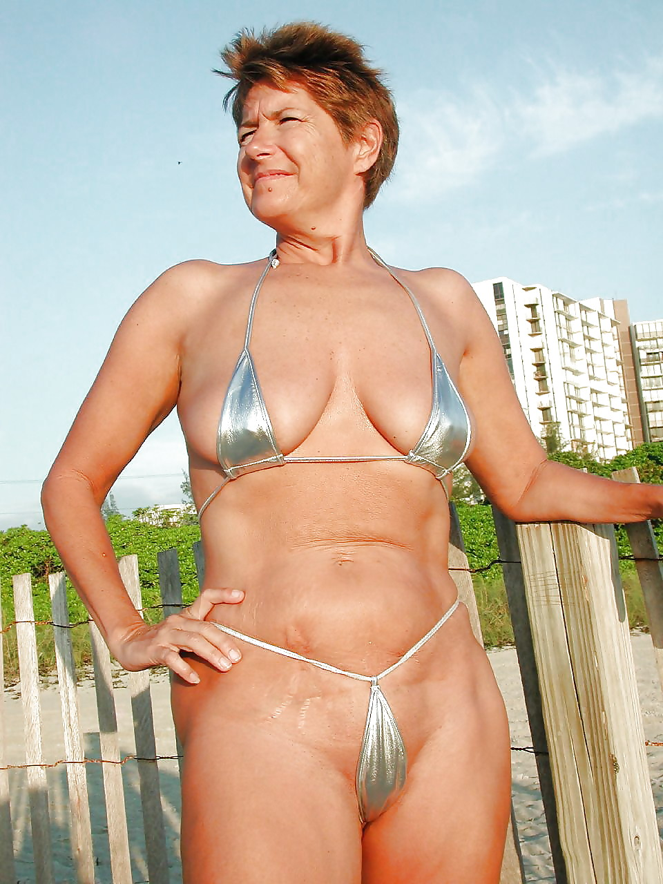 Korean pussy granny bikini slut pictures amatuer petite eaton centre