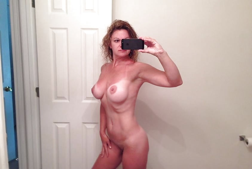 Leaked nude mom