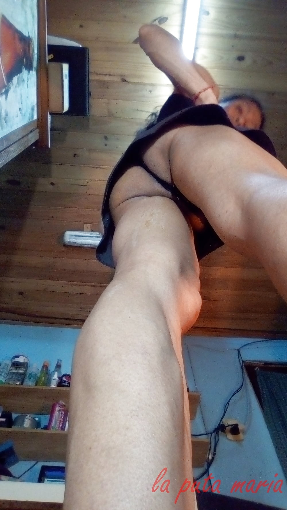 Cum dripping down legs