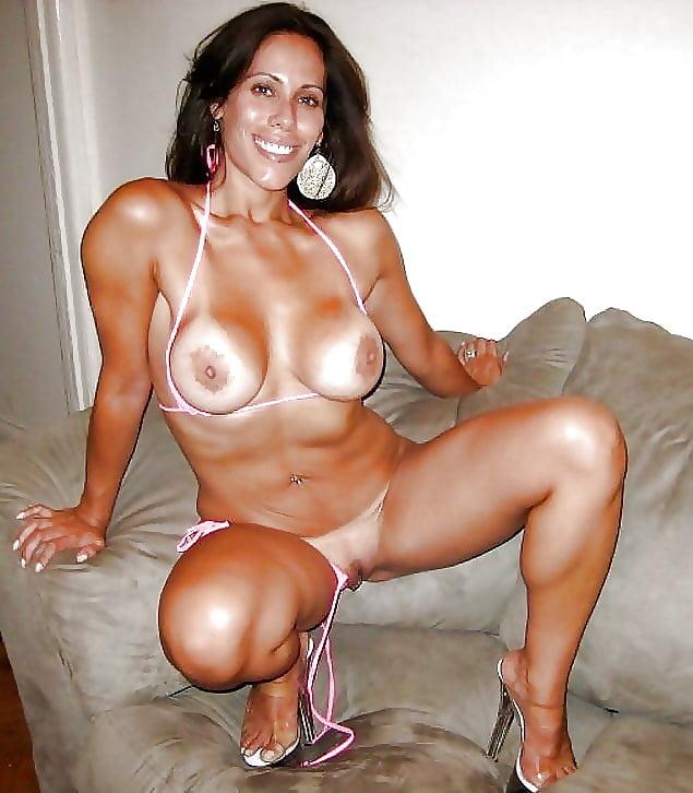 ecuadorian-milfs-renata-lear-nude