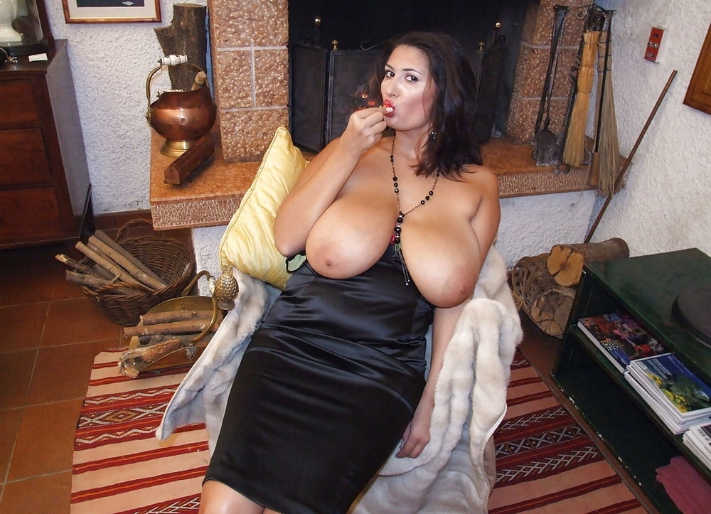 busty-italian-milfs-nude-survivor-pictures