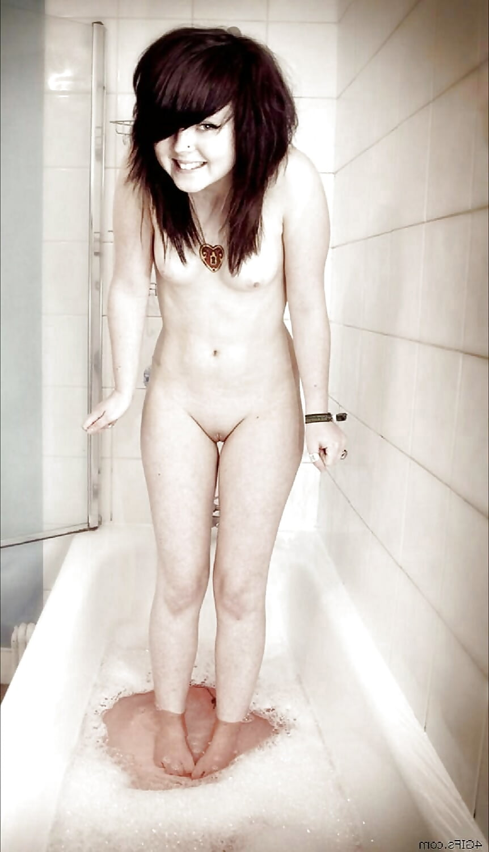 Young girl open legs
