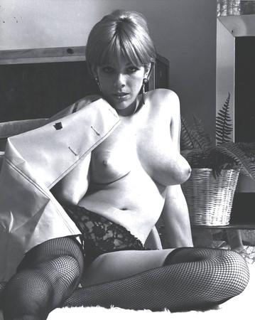 Nackt  Sharon Wells Celebrities who