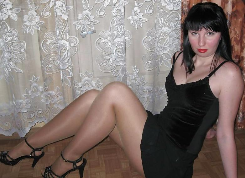 Трусики пальчиком раздолбанные бляди фото девушки немецкой
