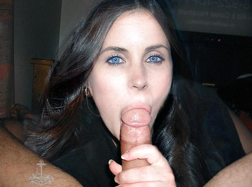 Naked women tongue in vagina