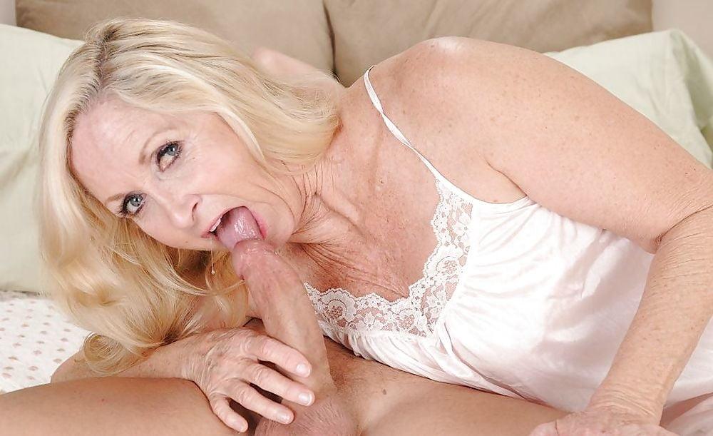 Порно фото актрис анабеле бради мамочки страпоном