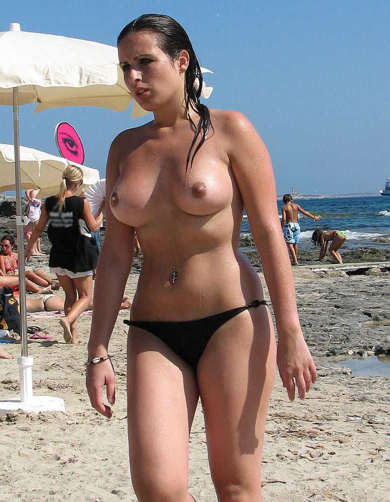Beach Beauties 221 - 98 Pics