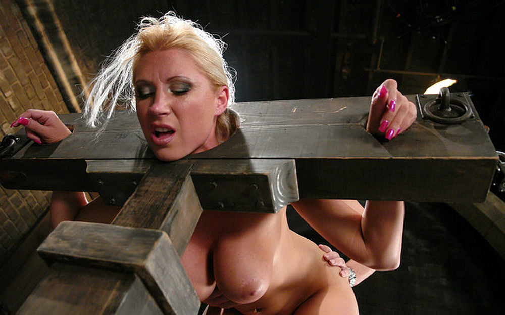 Sex and pillory — photo 14