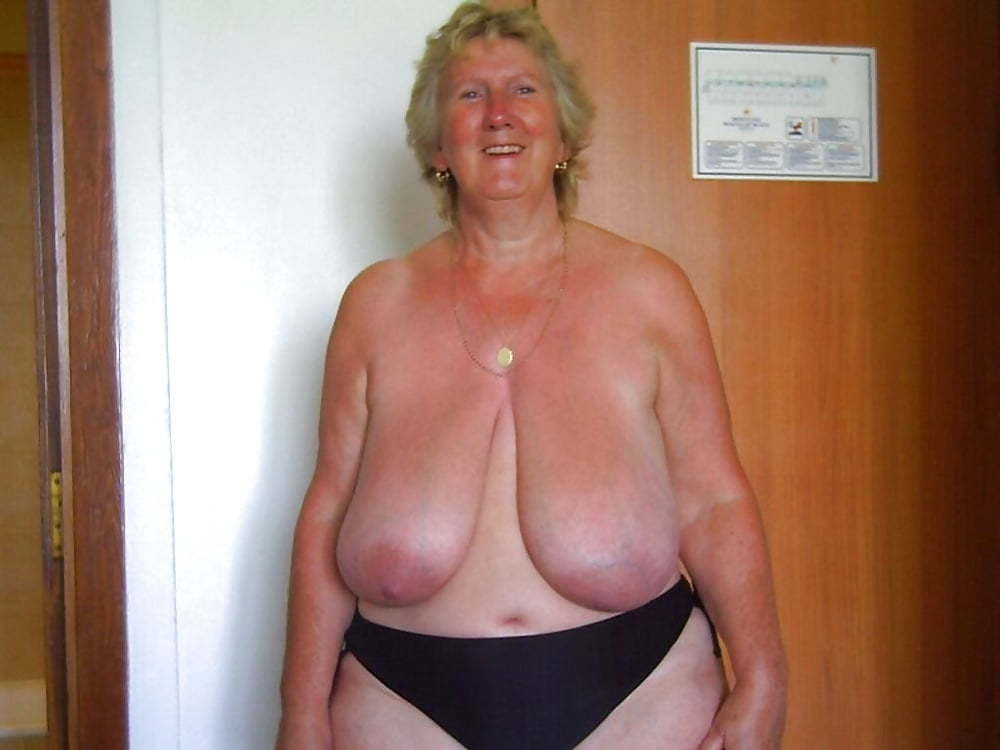 Porn pics of mature women with saggy tits