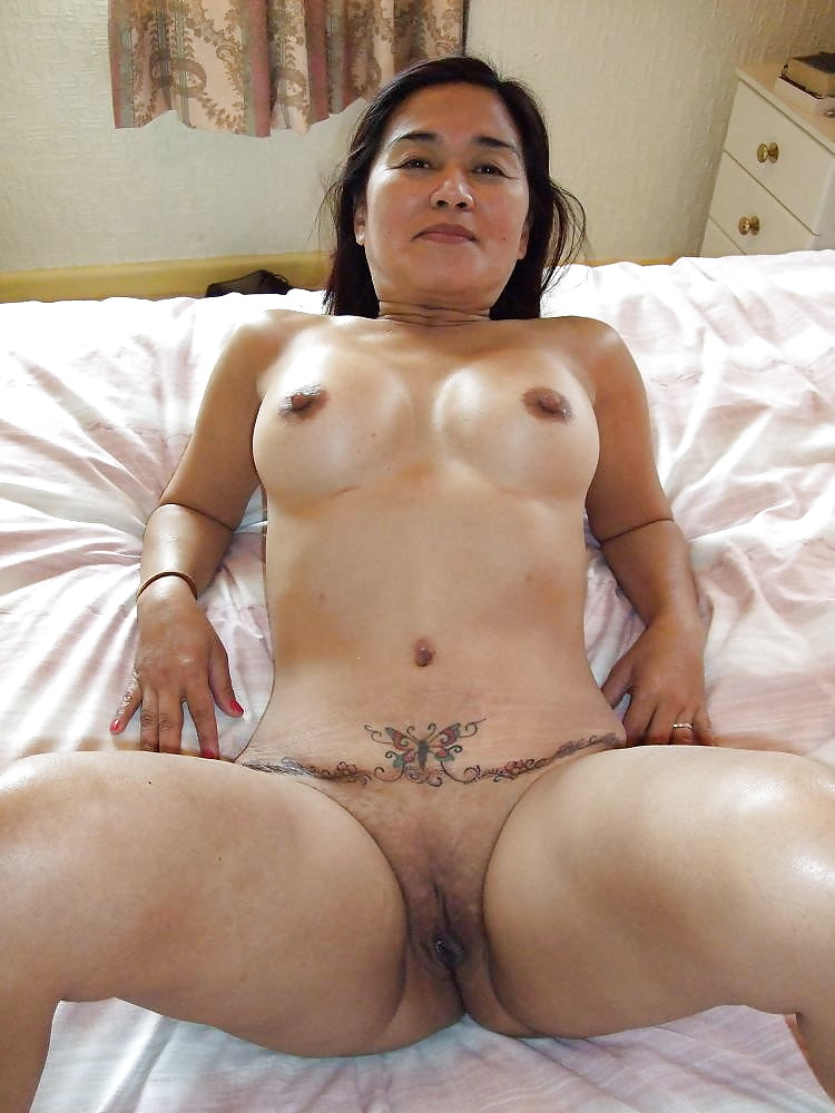Naked middle aged asian pussy from behind — photo 14
