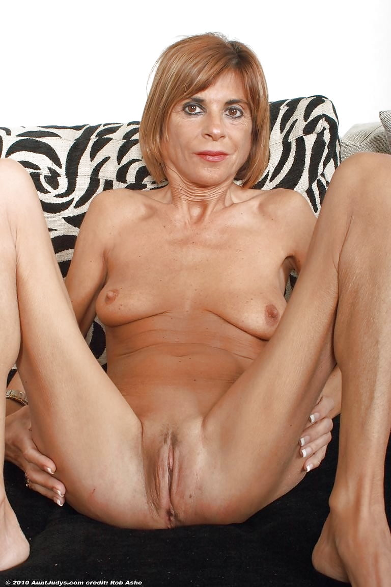 free-mature-skinny-tanned-videos-swimmer-naked-porn