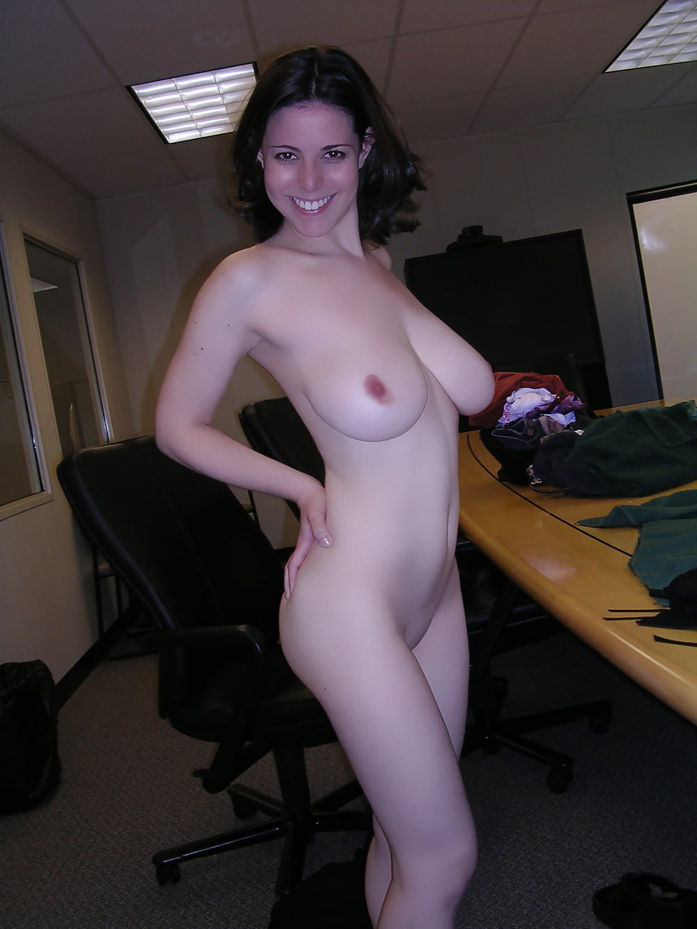 Veruca Gets Naked Wife Blowjob Cum In The Office