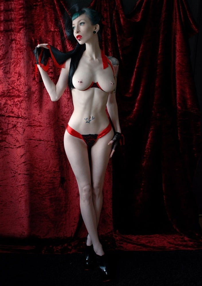 Showing porn images for sexy nude female vampire art porn