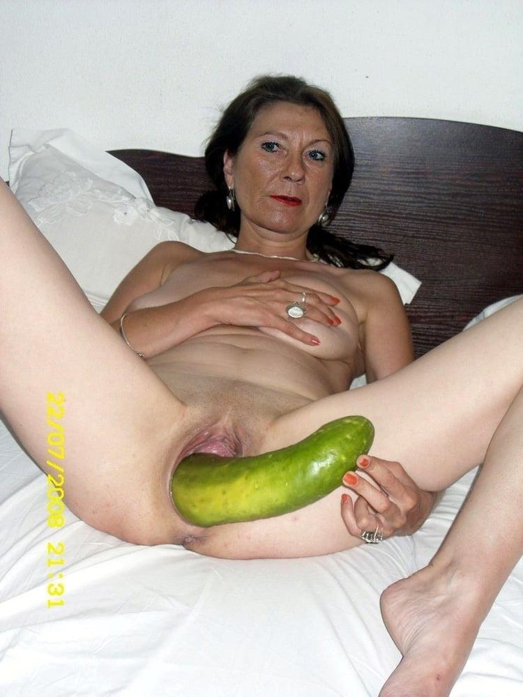 порно со старушками с огурцом - 7