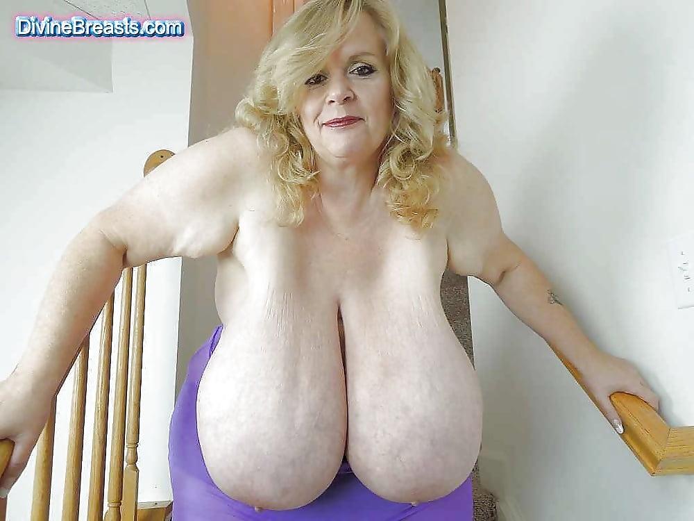 Women with big huge tits
