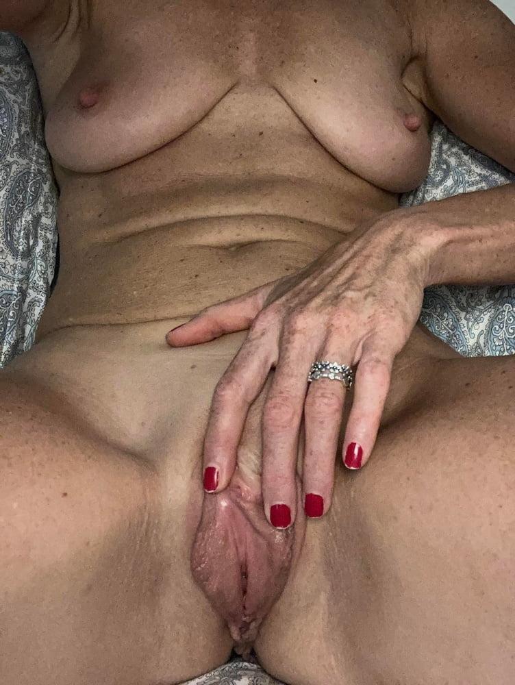Gorgeous Mature - 22 Pics