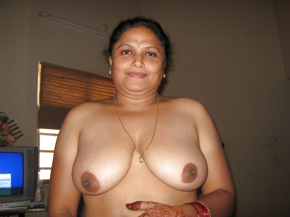 Aunty hot photo