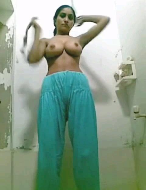 Anjuman shehzadi naked mujra