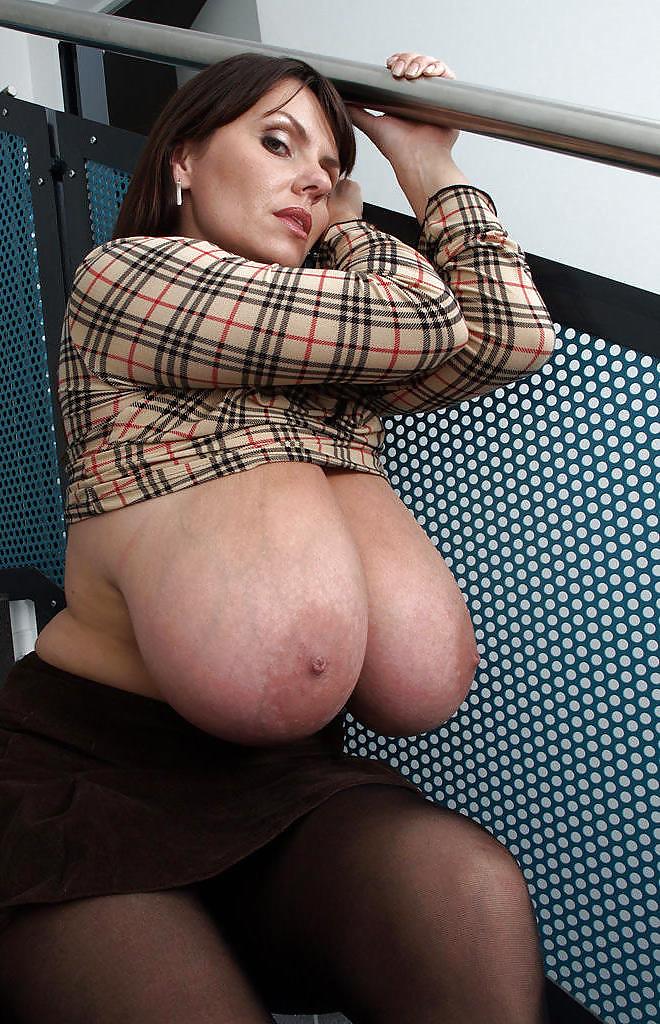 Moms huge boobs tits